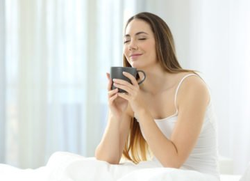 It's a rare person indeed who isn't interested in how to make a house smell good. Not only does it make life more pleasant on a superficial level, scientific studies show that smells affect our moods and emotions.